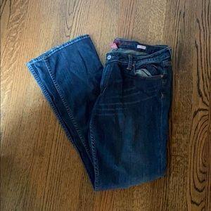 Arizona jeans with distressed knee holes